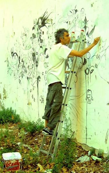 Ilya Mayer renovating. Festival Surpas '10, Portbou.